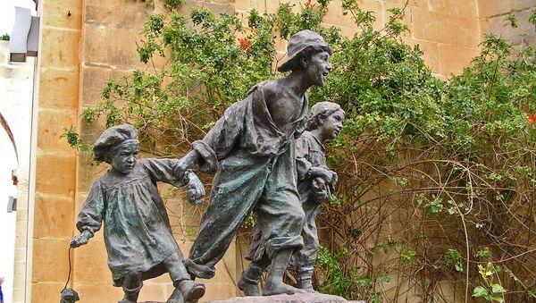 Pomnik Gavroche'a na Malcie - Sputnik Polska