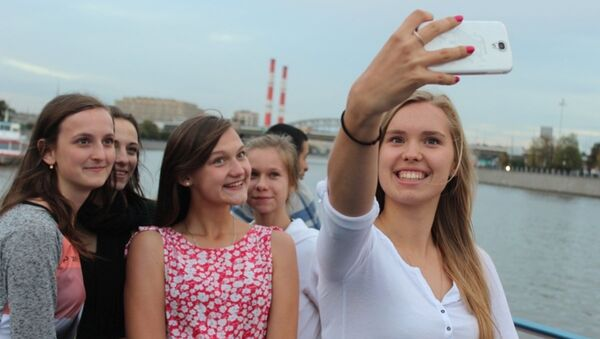 Medialny atak na polskie licealistki w Moskwie - Sputnik Polska