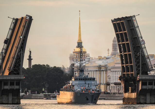 Parada z okazji Dnia Marynarki Wojennej w Petersburgu