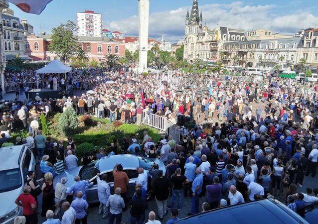 W Batumi trwa wiec z żądaniem przywrócenia stosunków z Rosją