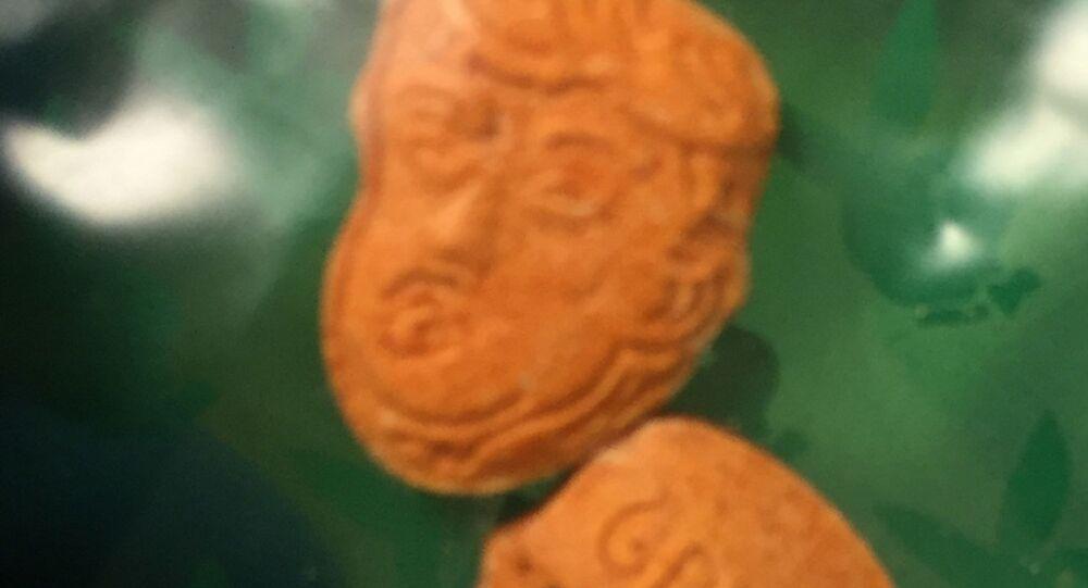 Tabletki ekstazy w kształcie głowy Trumpa