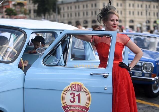 Coroczny wyścig pojazdów zabytkowych GUM-rajd w Moskwie