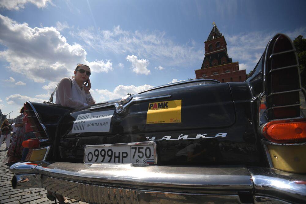 Samochód Czajka na corocznym wyścigu pojazdów zabytkowych GUM-rajd w Moskwie