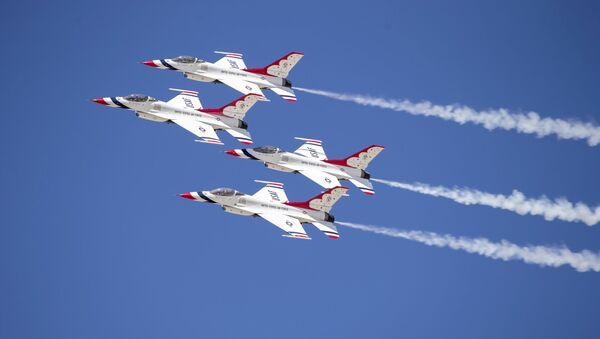 Amerykańskie myśliwce F-16 - Sputnik Polska