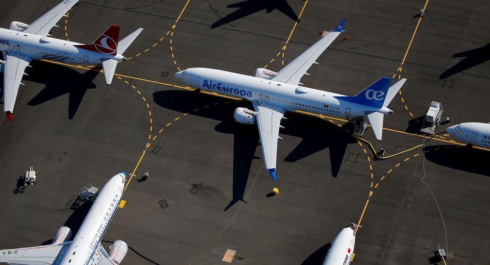 Zaparkowane samoloty Boeing 737 MAX na lotnisku Boeing Field w Seattle, USA