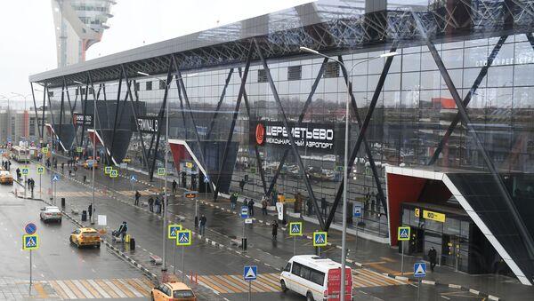 Widok na terminal B międzynarodowego lotniska Szeremietiewo w Moskwie - Sputnik Polska