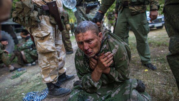 Ukraiński desantowiec, który został zatrzymany jako jeniec pod Szachtarskiem - Sputnik Polska