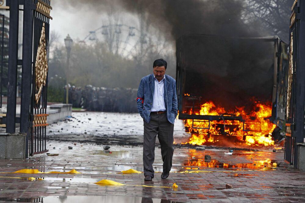 Zwolennicy opozycji w Biszkeku