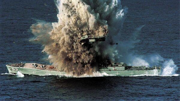 Okręt Torrens wysadzony przez torpedę Mark 48 - Sputnik Polska