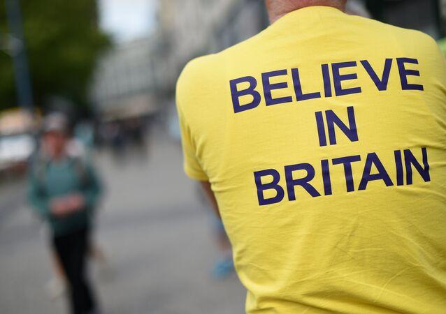 """Koszulka z hasłem """"Uwierz w Wielką Brytanię"""""""