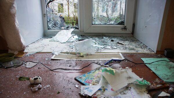 Rozbite okna w obwodzie ługańskim - Sputnik Polska