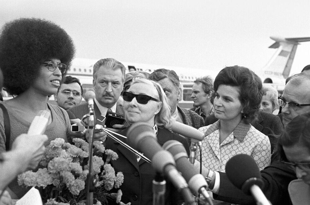 Walentina Tierieszkowa i Angela Davis w Szeremietiewie, 1972 rok