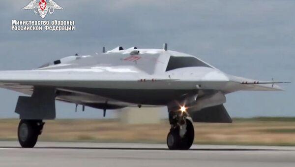 Dron Ochotnik - Sputnik Polska