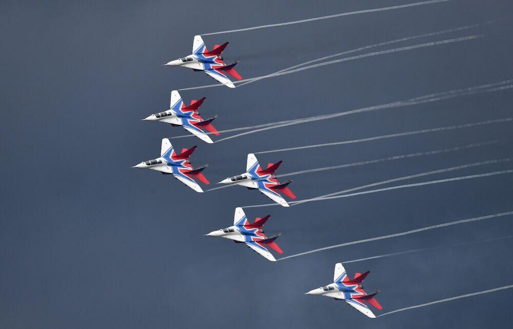 """MiG-29 na ogólnorosyjskim etapie zawodów """"Aviadarts 2019"""" na poligonie lotniczym pod Riazaniem"""