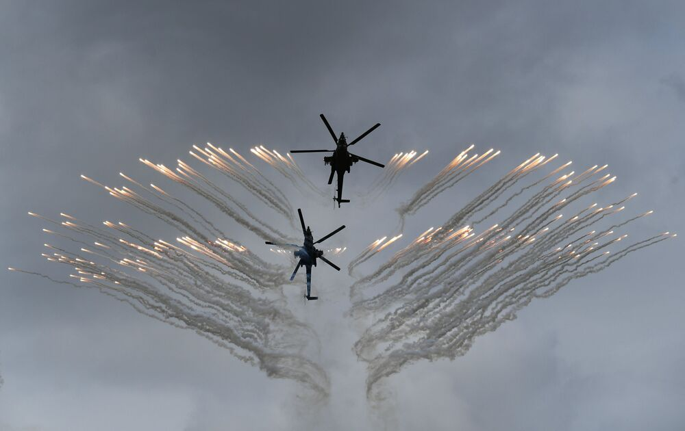 """Mi-28 na ogólnorosyjskim etapie zawodów """"Aviadarts 2019"""" na poligonie lotniczym pod Riazaniem"""