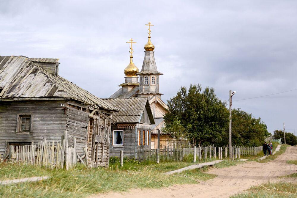Cerkiew drewniana w wiosce Kuzomień