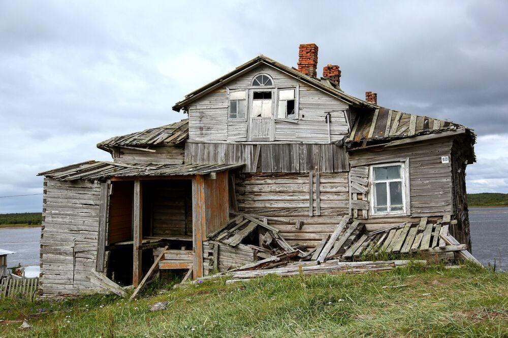 Opuszczony dom pod Murmańskiem