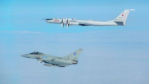 Brytyjskie myśliwce przechwyciły rosyjskie Tu-142. Zdjęcie archiwalne - Sputnik Polska