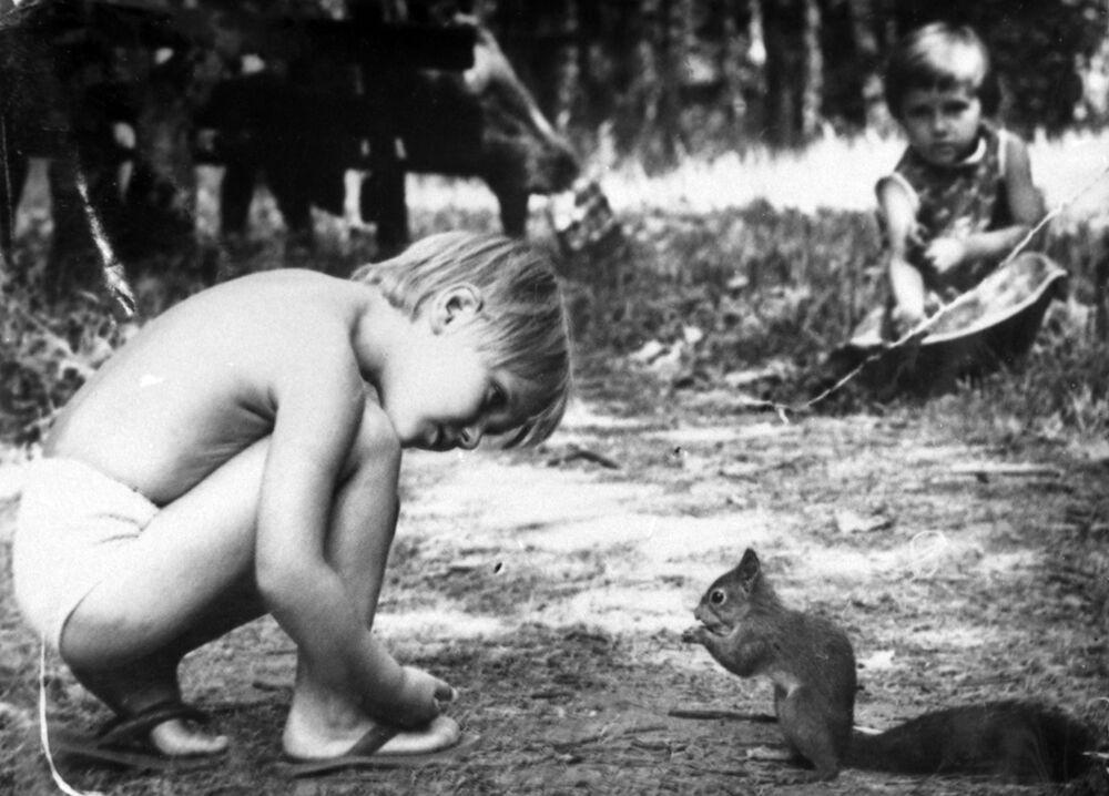 Chłopiec z wiewiórką, Moskwa 1988 rok