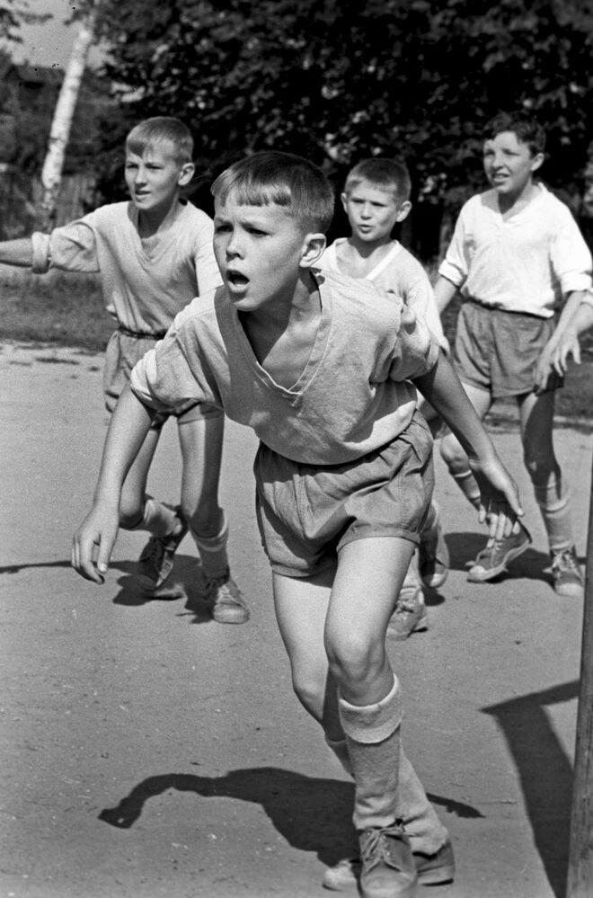 Mecz piłki nożnej, 1969 rok