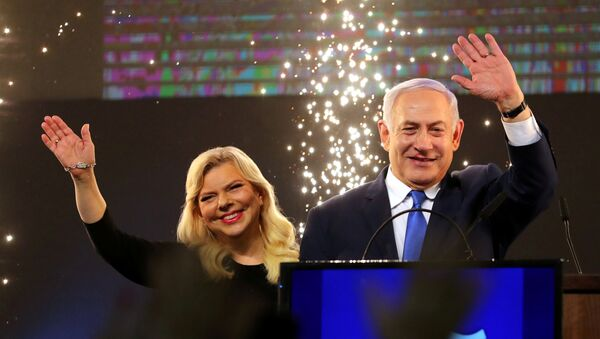 Premier Izraela Binjamin Netanjahu z żoną Sarą - Sputnik Polska