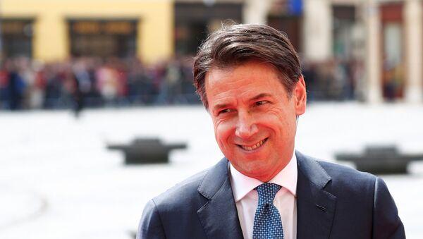 Premier Włoch Giuseppe Conte  - Sputnik Polska