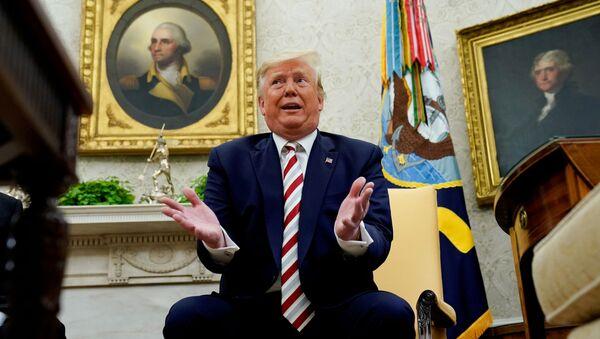 Prezydent Donald Trump w Białym Domu - Sputnik Polska