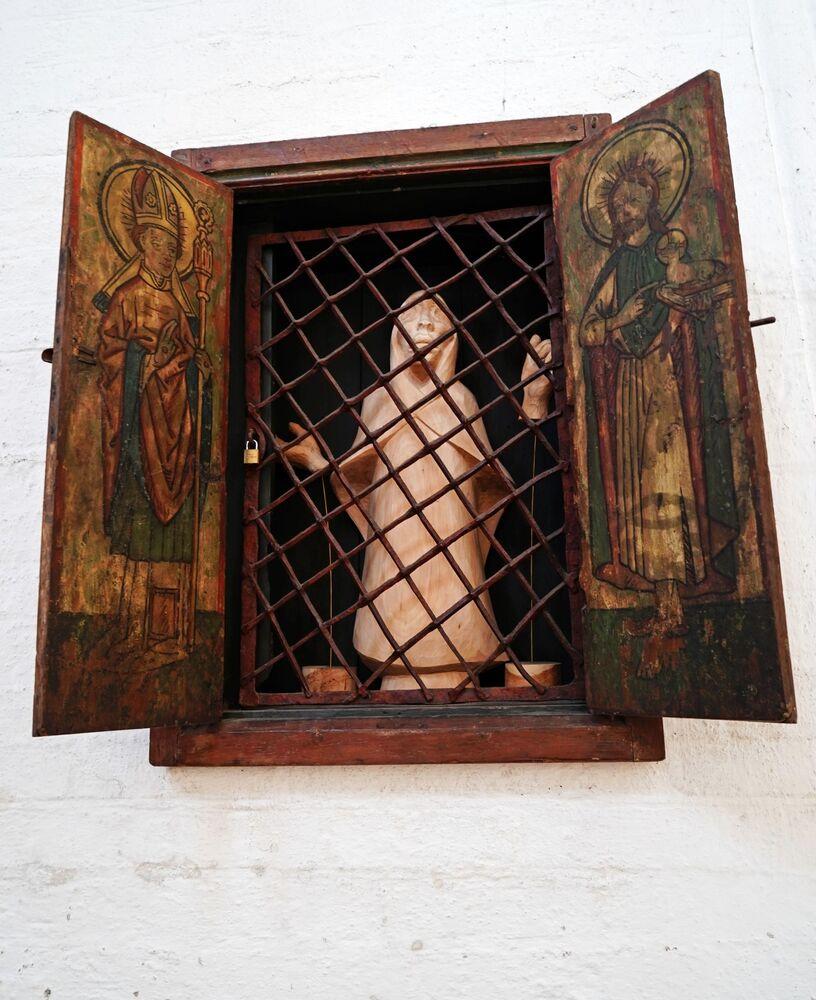 Wnętrze katedry w Lubece, Niemcy.