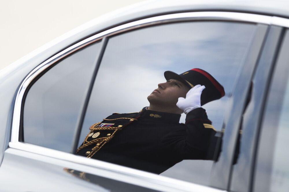 Straż honorowa podczas powitania premiera Włoch Giuseppe Conte