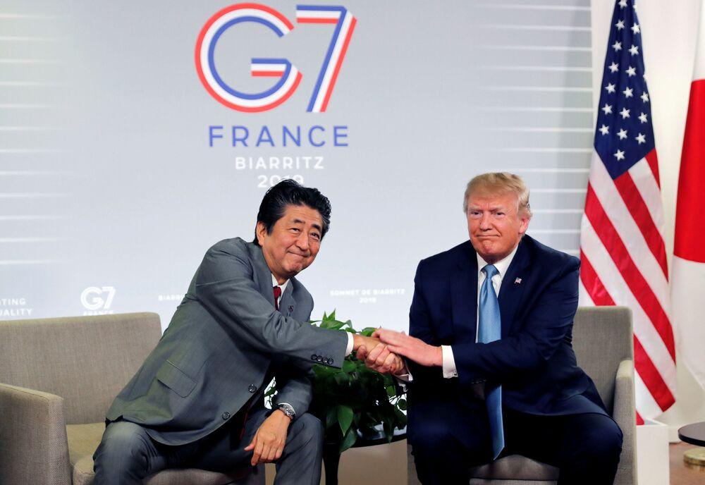 Donald Trump i premier Japonii Shinzō Abe podczas szczytu G7