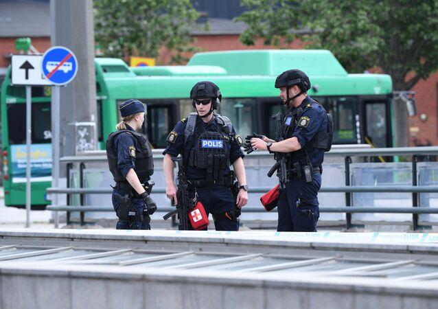Policja na ulicach Malmö, Szwecja. Zdjęcie archiwalne