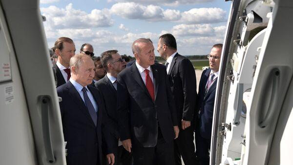 Władimir Putin i Recep Tayyip Erdogan na MAKS 2019 - Sputnik Polska