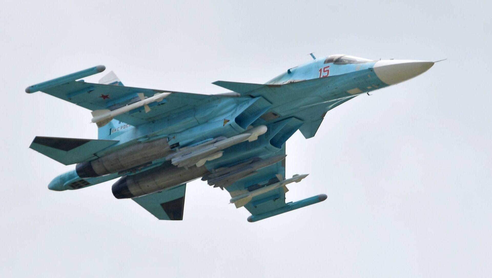 Rosyjski myśliwiec Su-34 na Międzynarodowym Salonie Lotniczym i Kosmicznym MAKS 2019  - Sputnik Polska, 1920, 12.04.2021