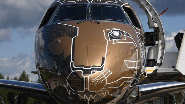 Brazylijski samolot E-Jet E2 na Międzynarodowym Salonie Lotniczym i Kosmicznym MAKS 2019  - Sputnik Polska
