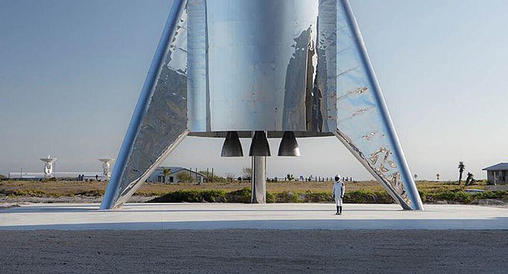 SpaceX przetestowała manewrujący statek księżycowy