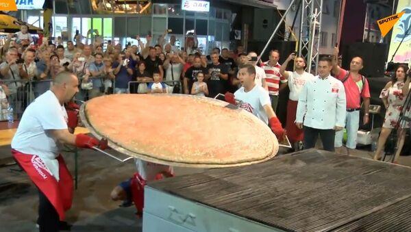Mega burger - Sputnik Polska