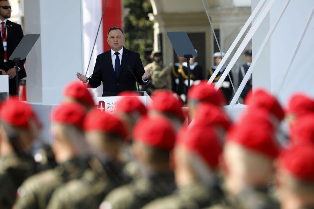 Andrzej Duda przemawia na uroczystości z okazji 80. rocznicy wybuchu II wojny światowej w Warszawie