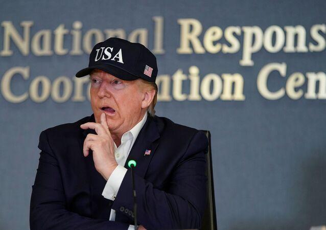Prezydent USA Donald Trump na konferencji Federalnej Agencji Zarządzania Kryzysowego poświęconej huraganowi Dorian