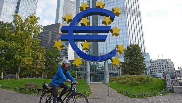 Symbol waluty euro - Sputnik Polska