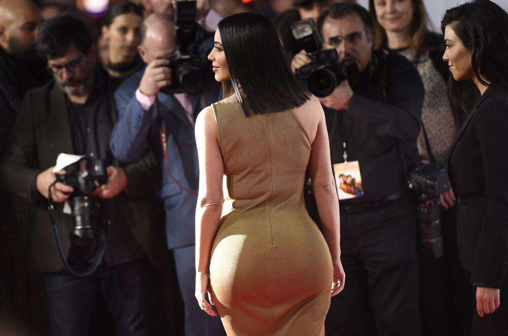 """Kim Kardashian na premierze filmu """"Obietnica"""" w Los Angeles."""