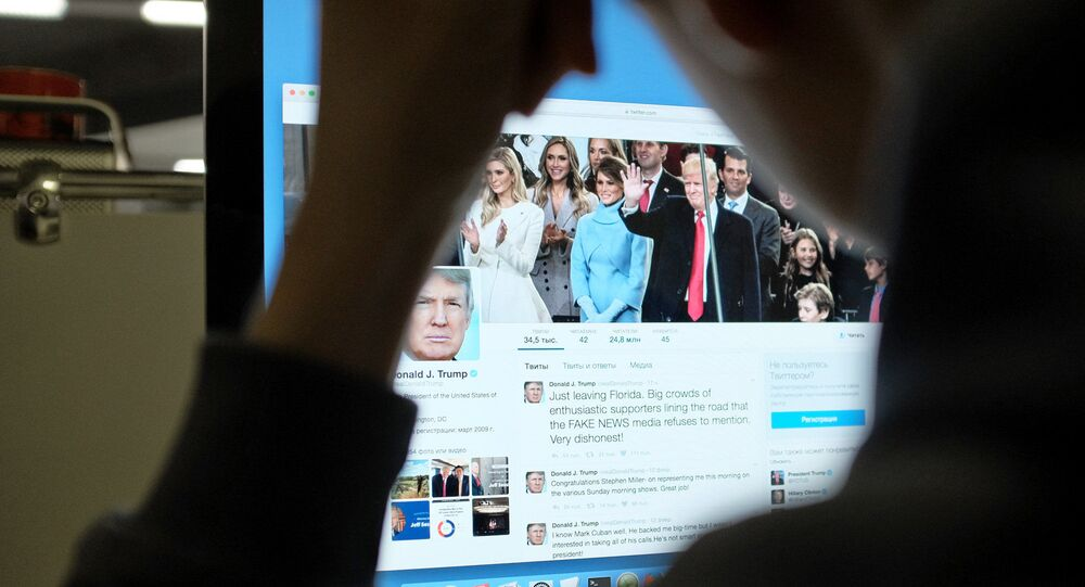 Strona Twittera prezydenta USA Donalda Trumpa na komputerze