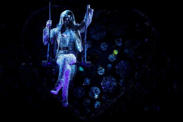 Projektant Phillipe Blond podczas pokazu Moulin Rouge w Nowym Jorku  - Sputnik Polska