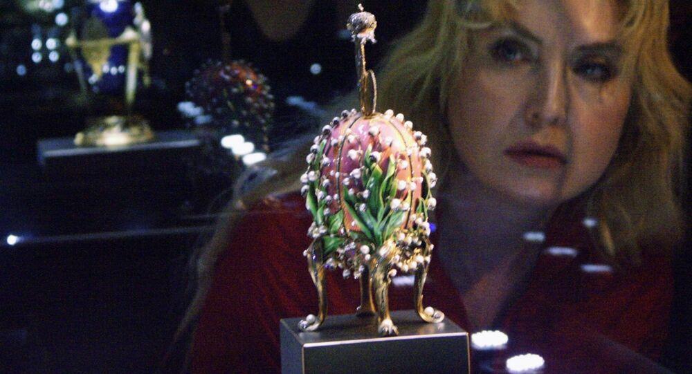 """Cesarskie jajko wielkanocne """"Konwalie"""", podarowane przez cesarza Mikołaja II cesarzowej Aleksandrze Fiodorownej"""
