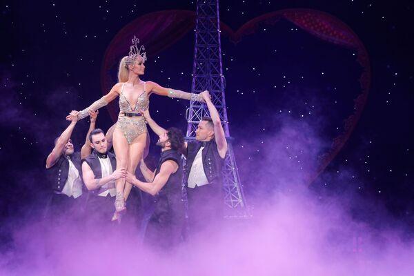 Występ Paris Hilton podczas Tygodnia Mody w Nowym Jorku - Sputnik Polska