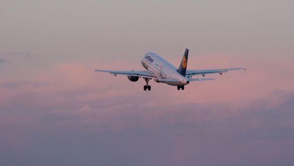 Samolot linii lotniczej Lufthansa - Sputnik Polska