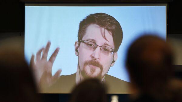 Były pracownik Agencji Bezpieczeństwa Narodowego USA (NSA), informator Eduard Snowden - Sputnik Polska