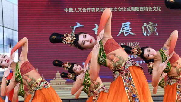 Występ chińskiego zespołu podczas festiwalu chińskiej kultury w moskiewskim kompleksie wystawowym WDNCh - Sputnik Polska