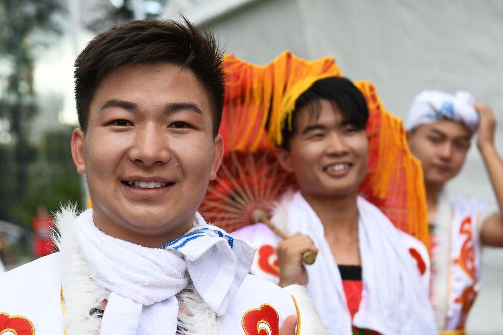 Uczestnicy festiwalu chińskiej kultury w moskiewskim kompleksie wystawowym WDNCh