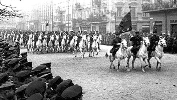 Radziecka kawaleria we Lwowie, 1939 rok - Sputnik Polska
