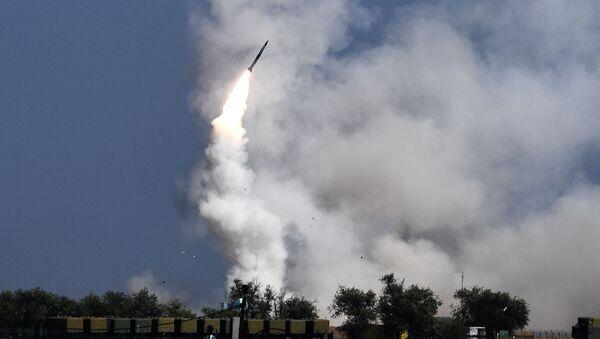 Strzelanie z wyrzutni rakietowych S-300 Faworyt - Sputnik Polska